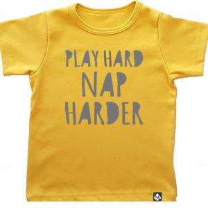 baby tshirt korte mouw okergeel play hard